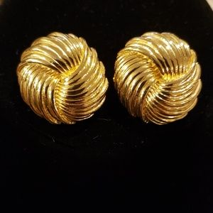 Vintage Napier Clip On Earrings